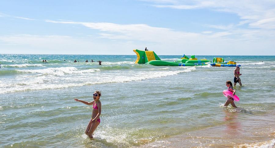Курорт Витязево в начале лета - в июне